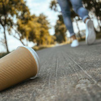 Plastikmüll und Einwegverpackungen schaden der Umwelt. Mikro-Plastik schadet dem Klimaschutz.